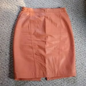 Size 10 vintage peach leather pencil skirt lined